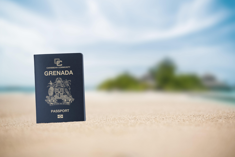 Паспорт Гренады, который могут получить иностранцы