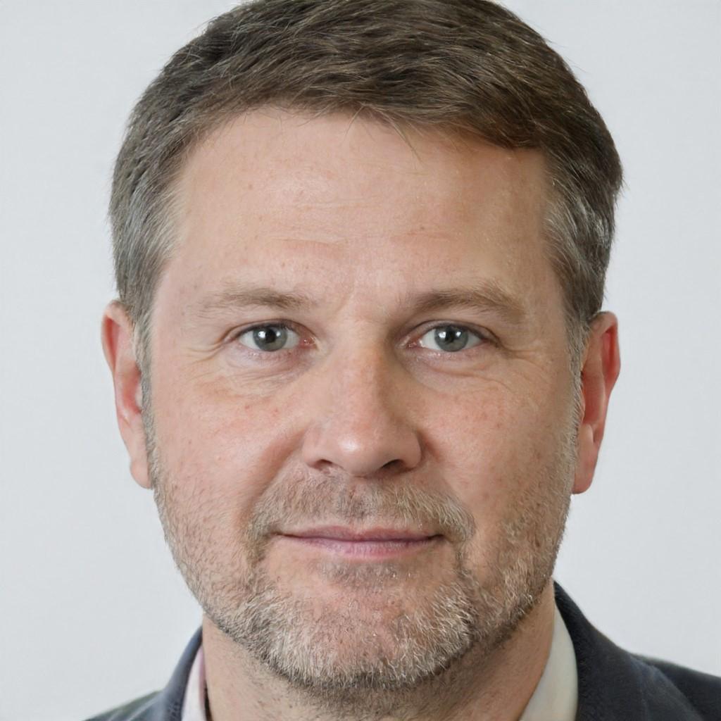 миграционный юрист Илья Копыров