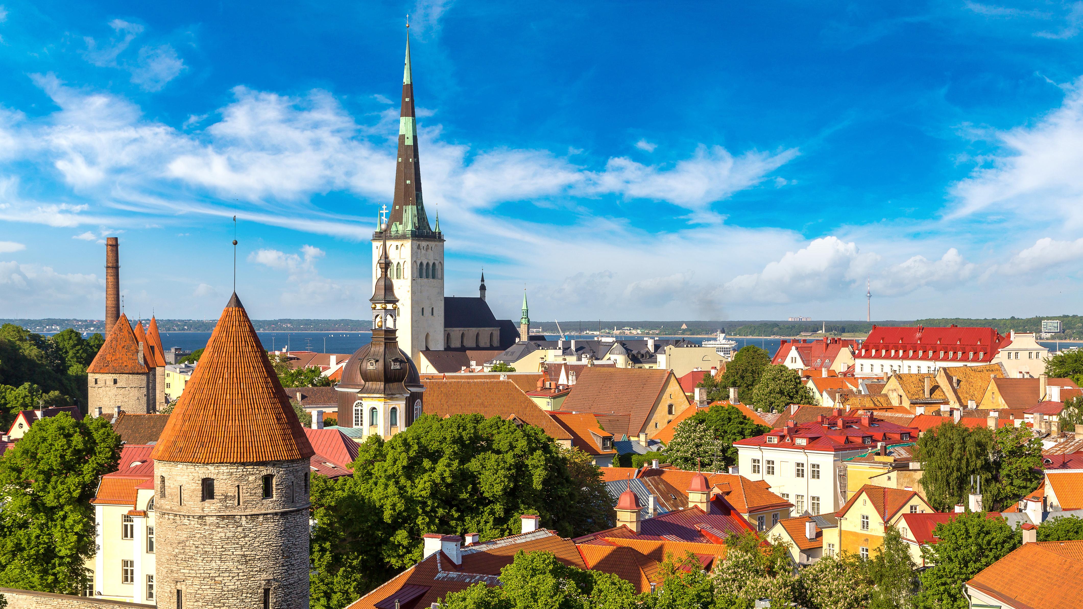 Таллинн столица Эстонии, постоянное место жительства которой могут получить россияне, украинцы и белорусы