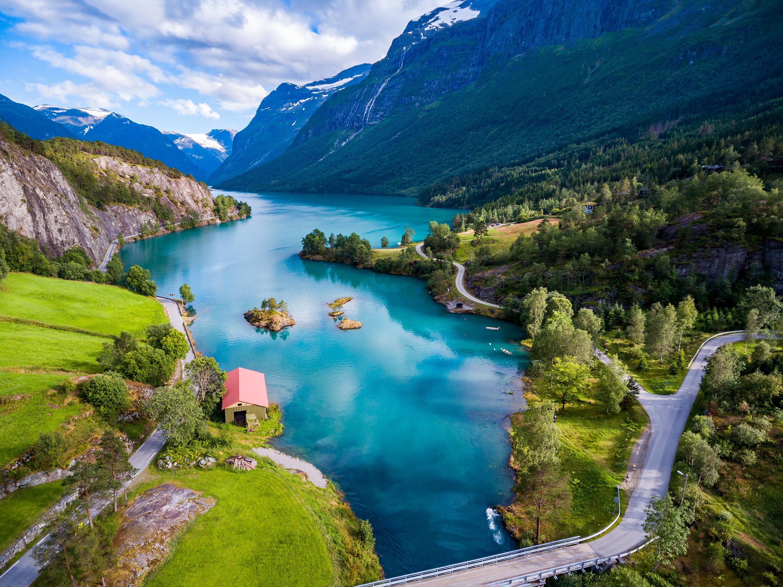 Пейзаж Норвегии, ПМЖ которой могут получить иностранцы