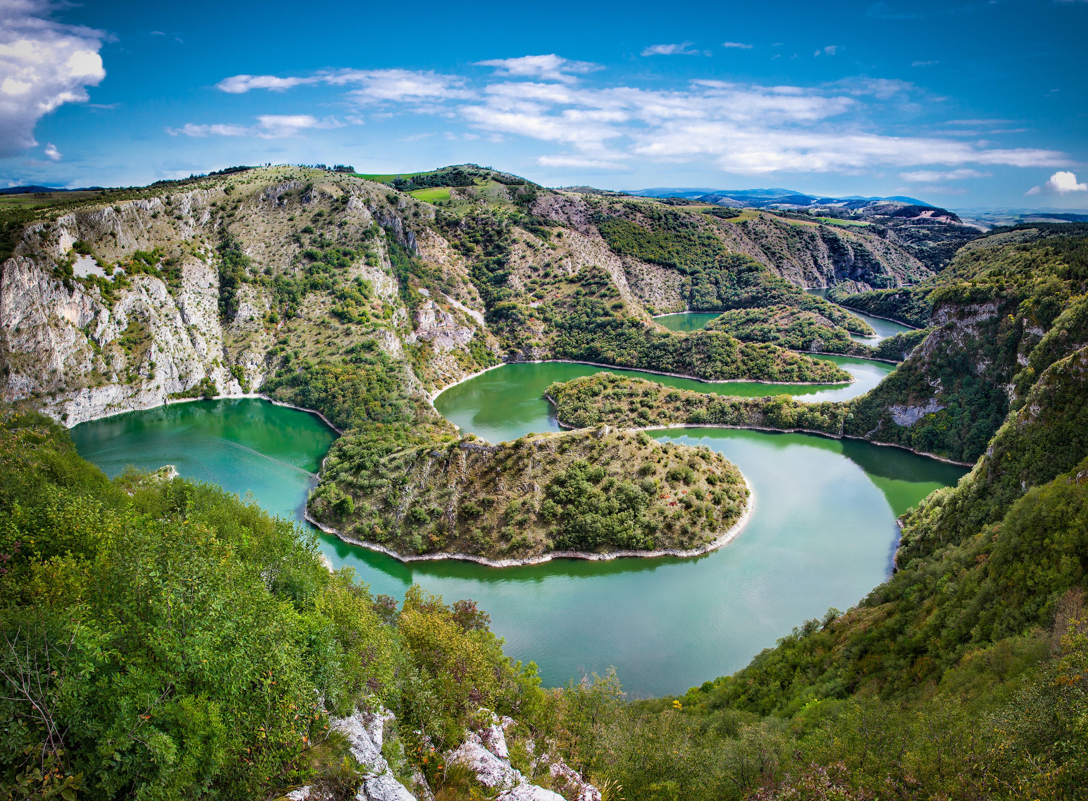 Пейзаж Сербии, ПМЖ которой могут получить иностранцы