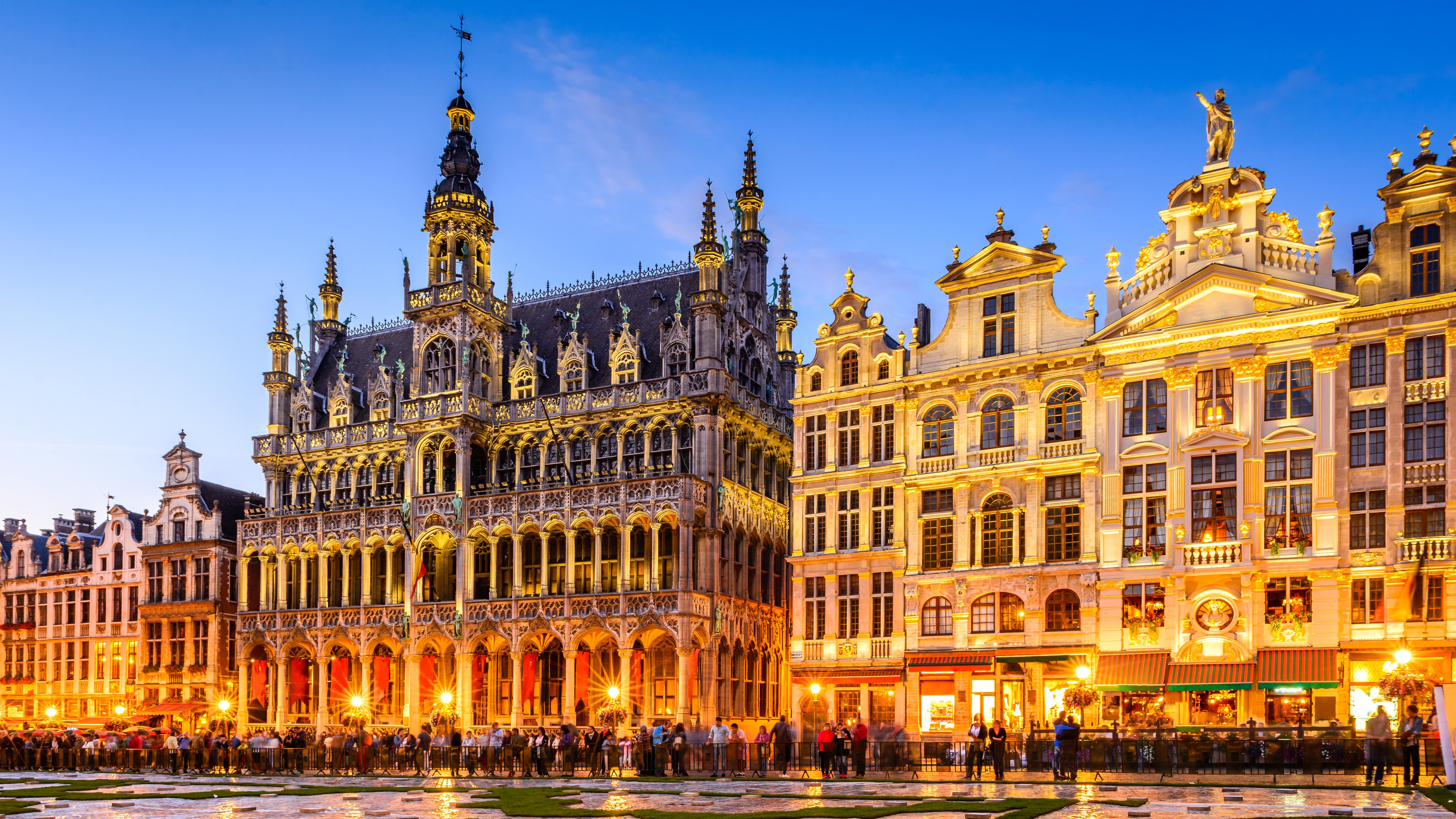 Гранд-Палас в Брюсселе, столице Бельгии, ВНЖ которой могут получить россияне, украинцы и белорусы