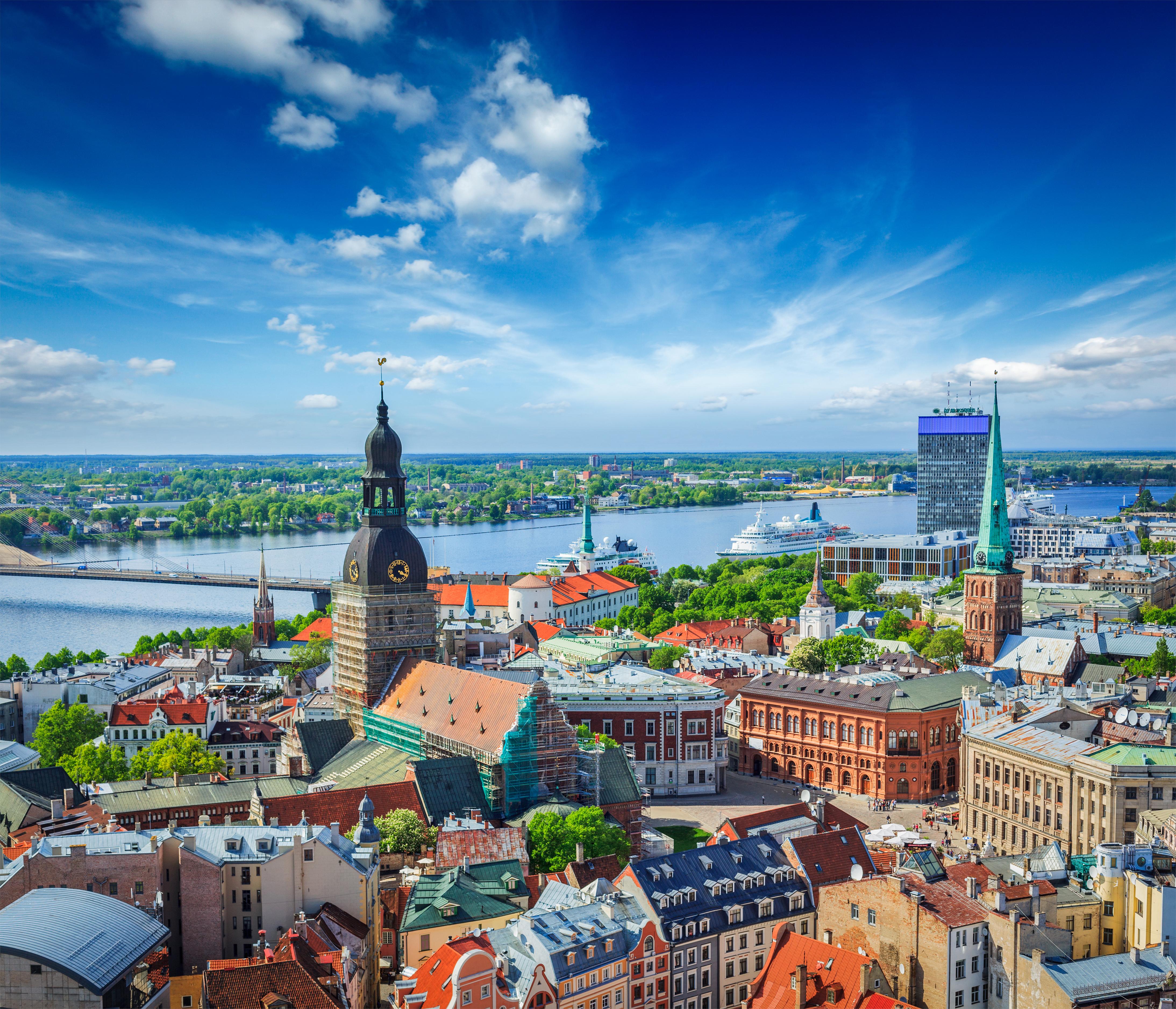Рига, столица Латвии, ВНЖ которой могут получить россияне, украинцы и белорусы
