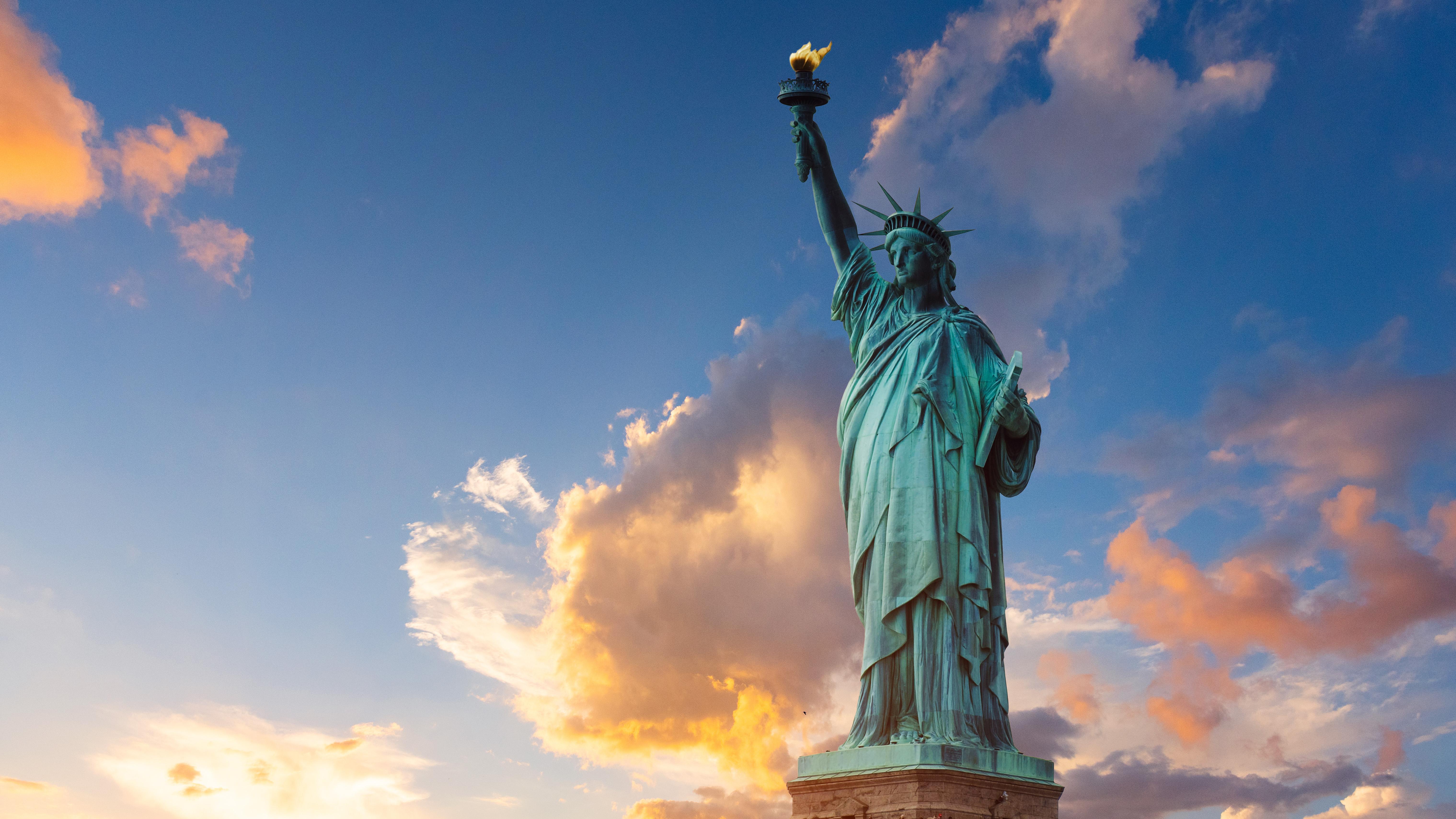 Статуя свободы символ США, ВНЖ которых могут получить россияне