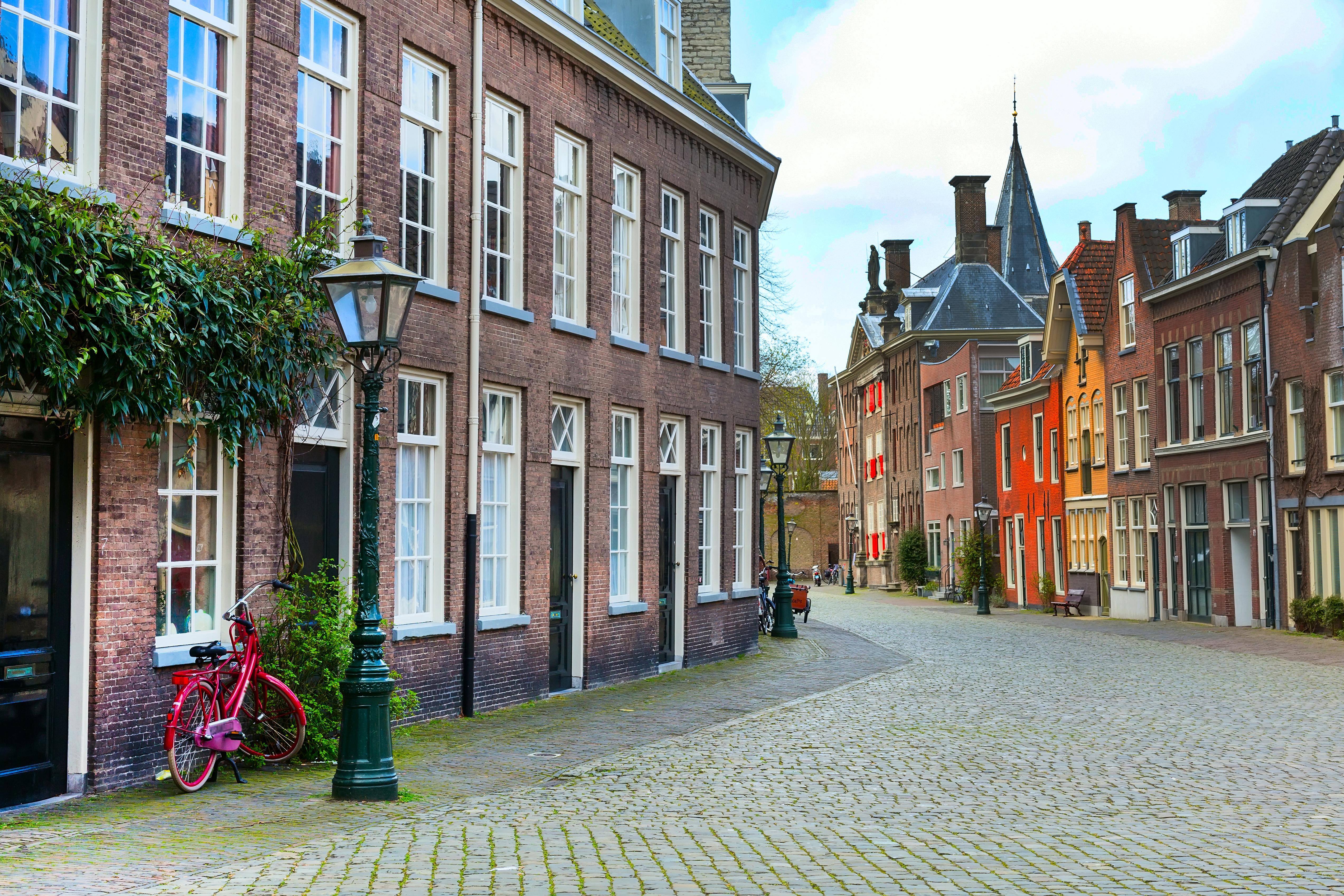 Вид на улицу в Нидерландах, стране, недвижимость в которой могут купить иностранцы