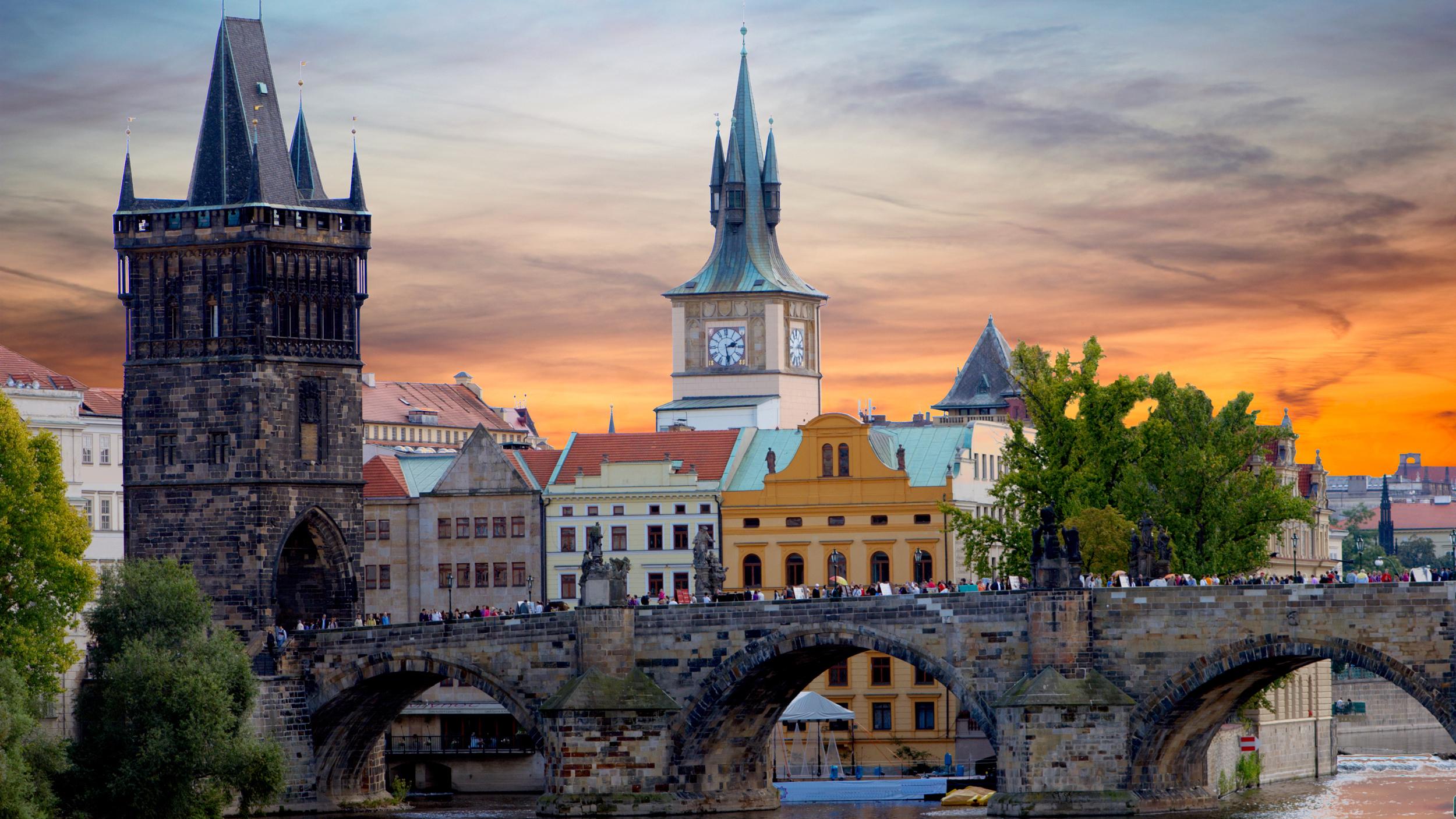 Как переехать в Чехию на ПМЖ из России: основные требования и условия
