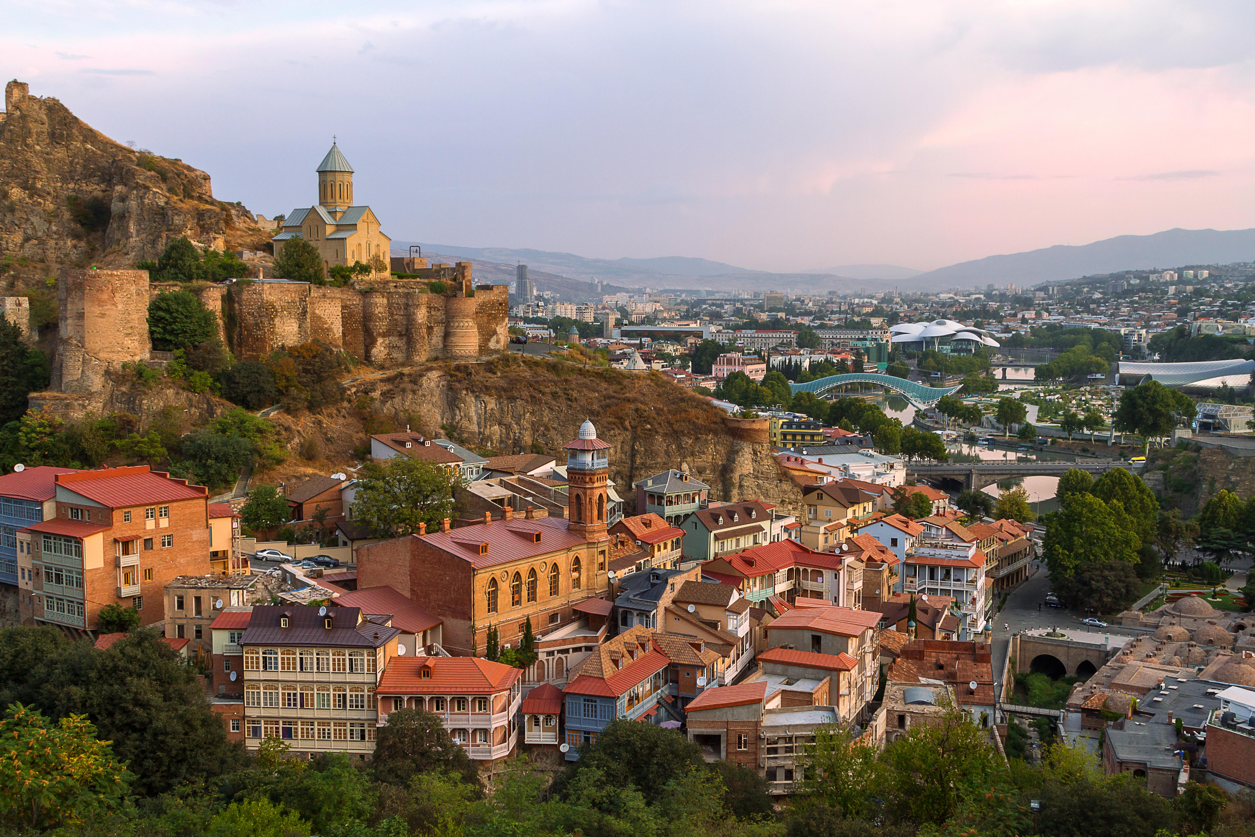 Тбилиси, столица Грузии, где иностранцы могут купить недвижимость