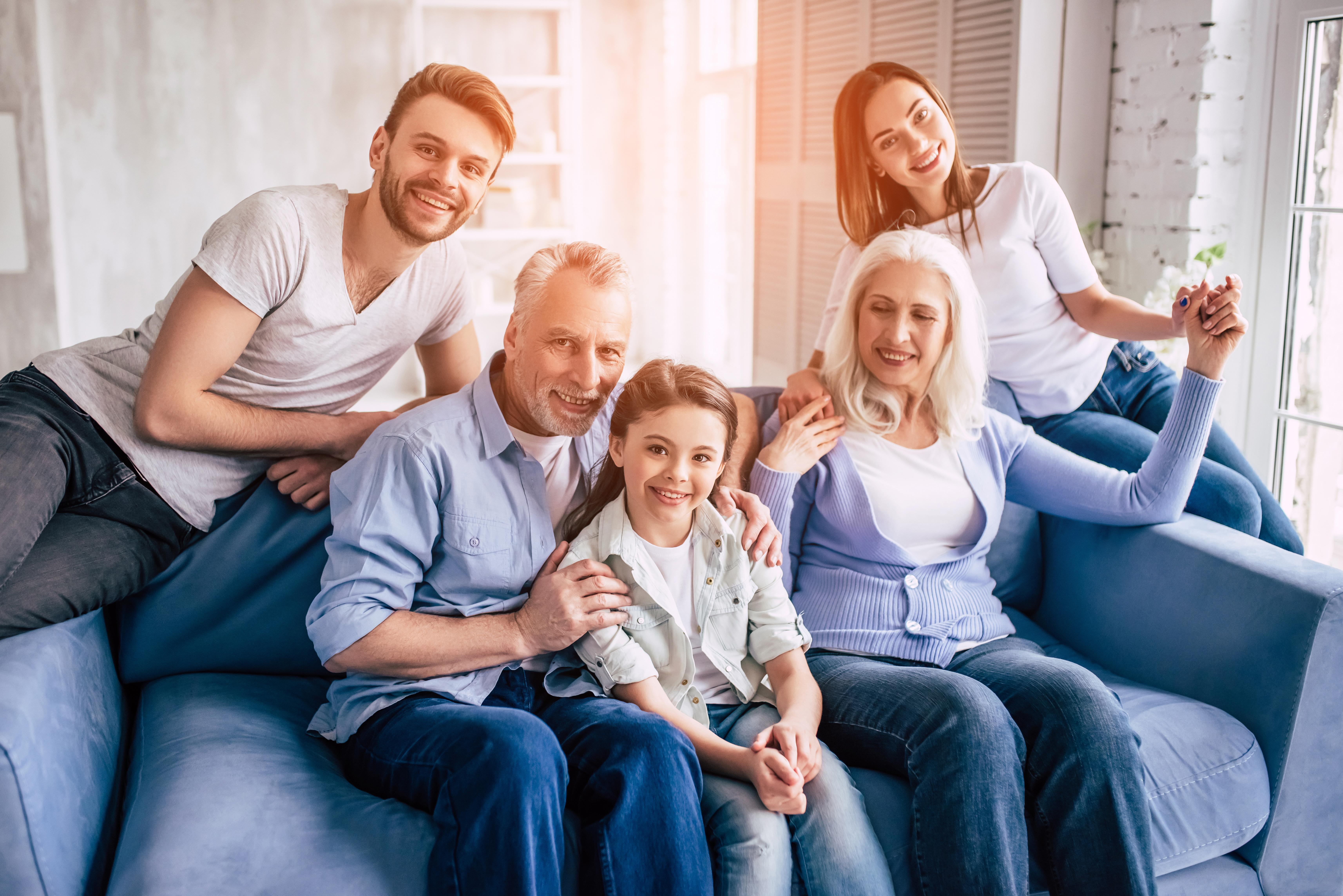 Воссоединение семьи как способ получить ВНЖ и ПМЖ Италии