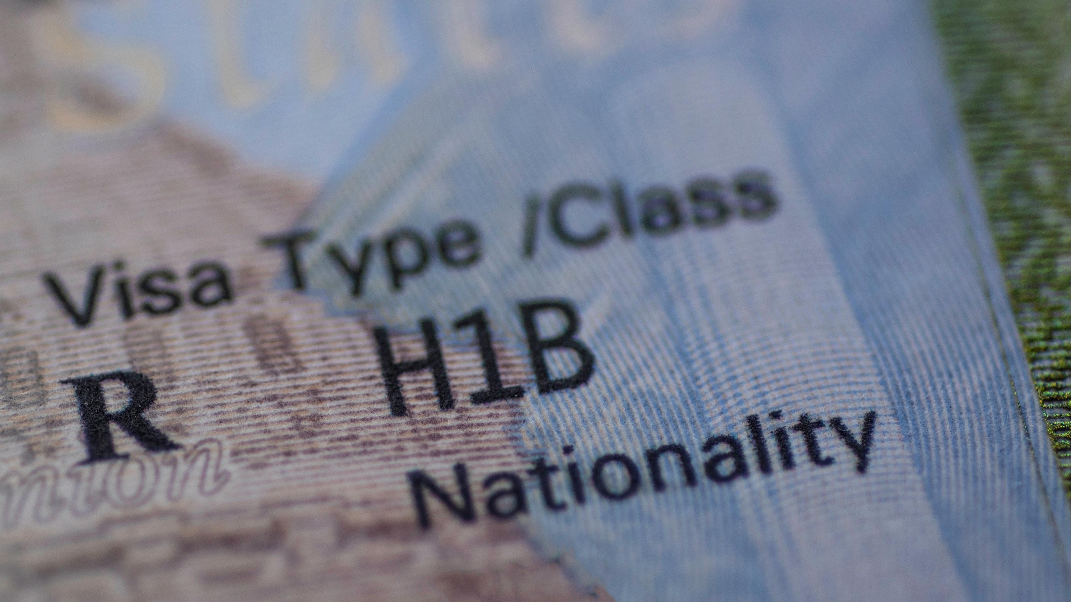 получить рабочую визу в США