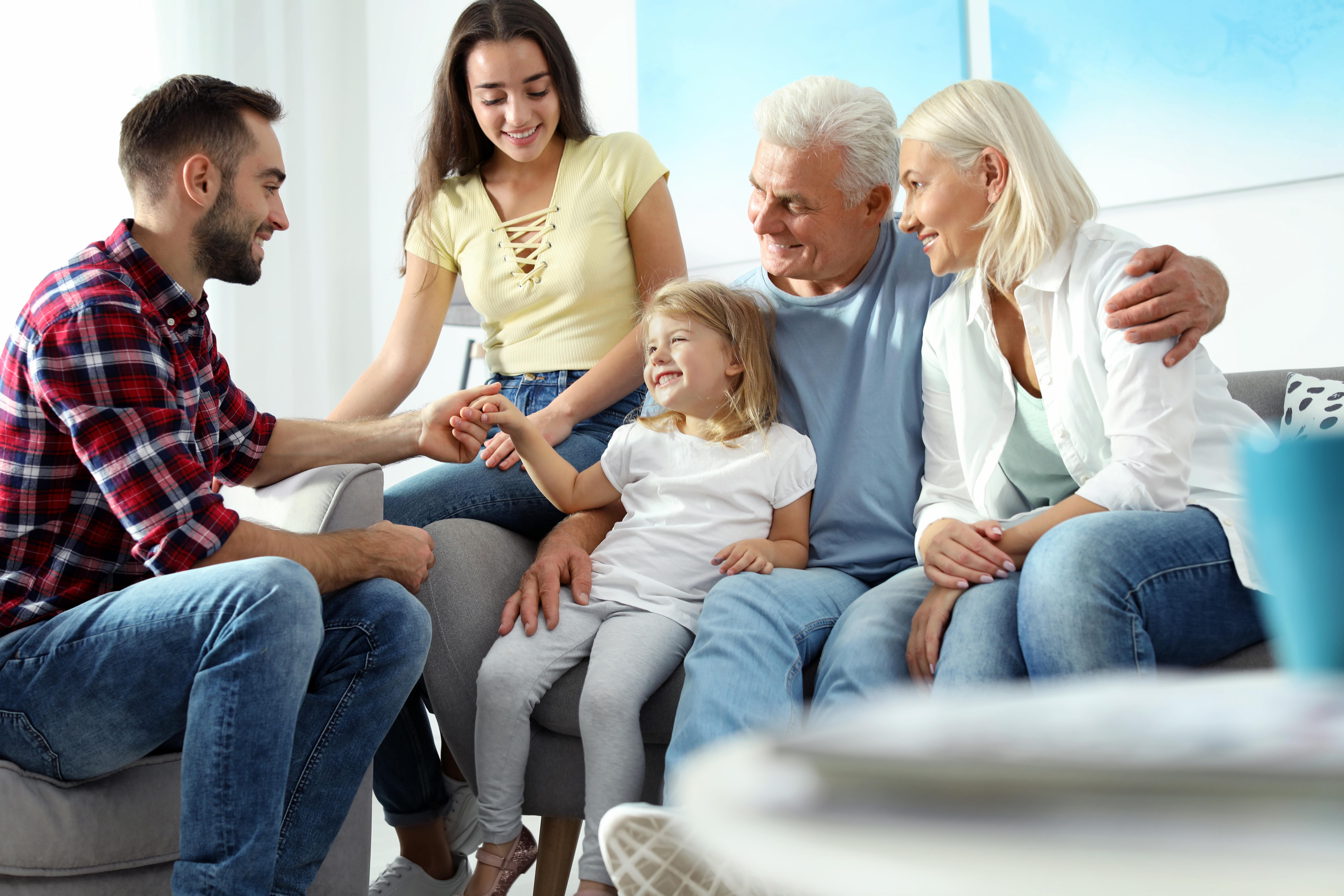 Воссоединение семьи как способ получить ВНЖ Франции