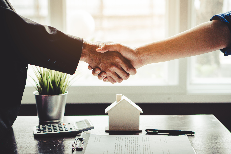 Заключение договора на покупку дома в Сербии